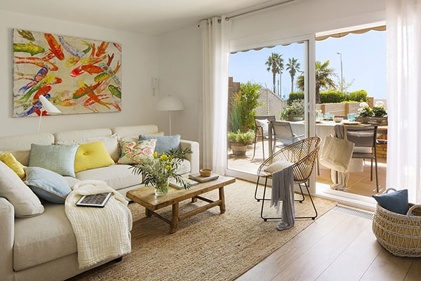 featured posts image for Coastal home with Mediterranean style interiors in Barcelona