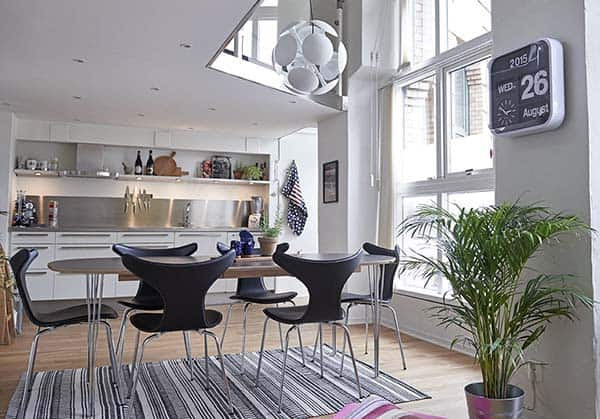 Bright-Airy-Scandinavian-Apartment-03-1 Kindesign