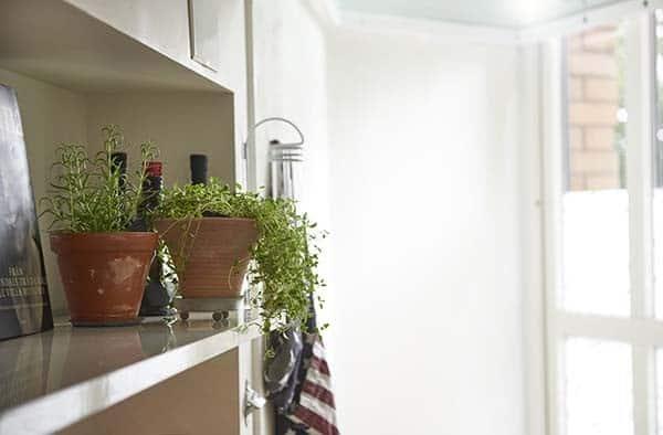 Bright-Airy-Scandinavian-Apartment-27-1 Kindesign