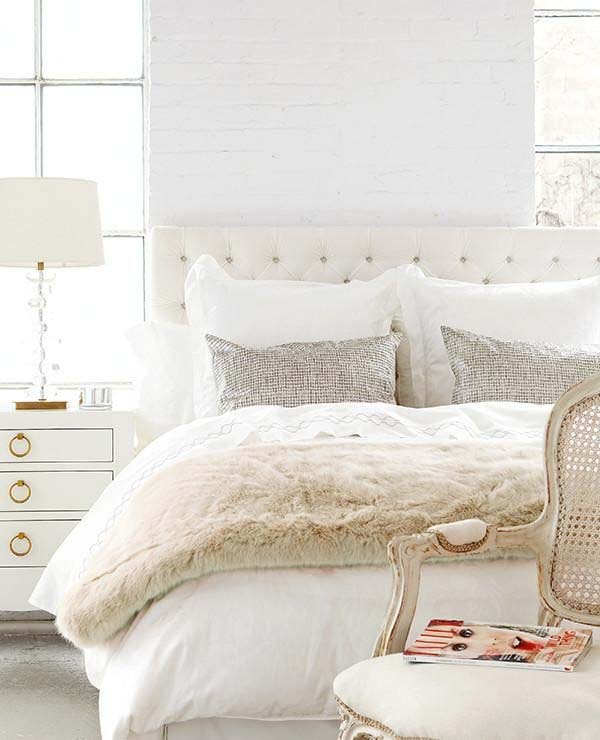 Dreamy White Bedroom Designs-17-1 Kindesign