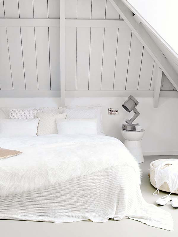 Dreamy White Bedroom Designs-29-1 Kindesign