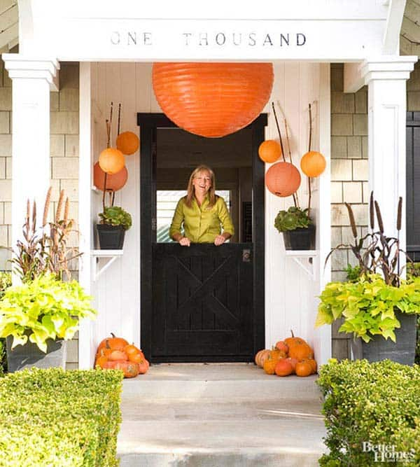 Fall-Inspired-Front-Porch-Decorating-05-1 Kindesign