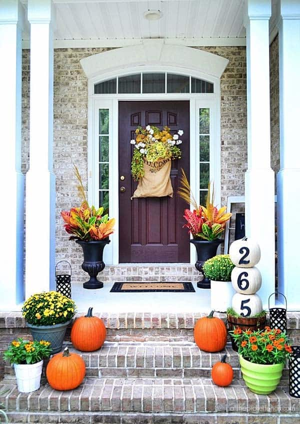 Fall-Inspired-Front-Porch-Decorating-09-1 Kindesign