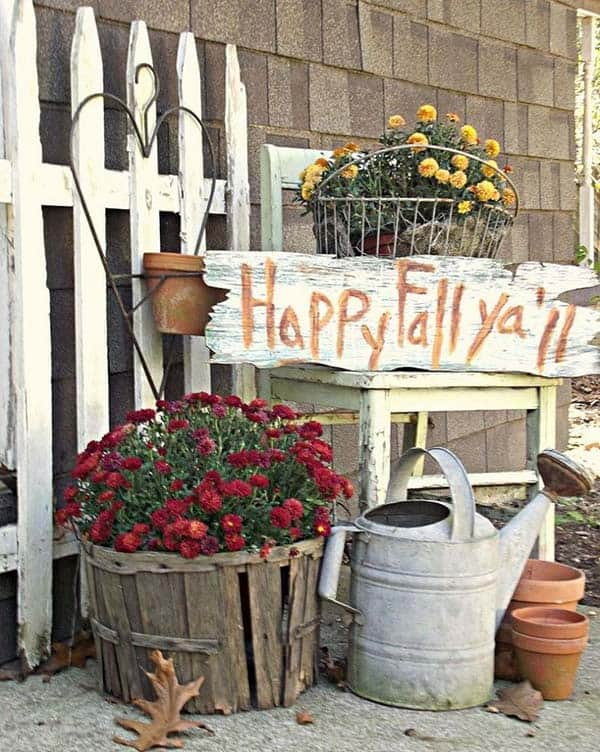 Fall-Inspired-Front-Porch-Decorating-10-1 Kindesign