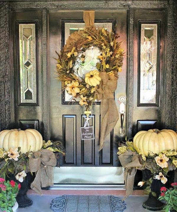 Fall-Inspired-Front-Porch-Decorating-12-1 Kindesign