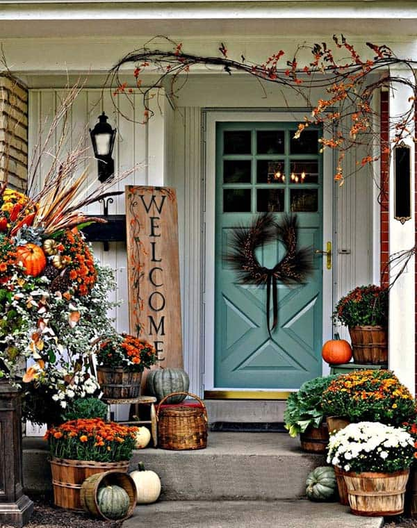 Fall-Inspired-Front-Porch-Decorating-22-1 Kindesign