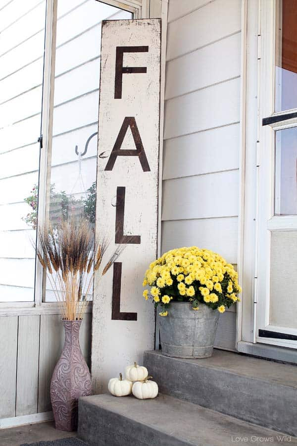 Fall-Inspired-Front-Porch-Decorating-34-1 Kindesign