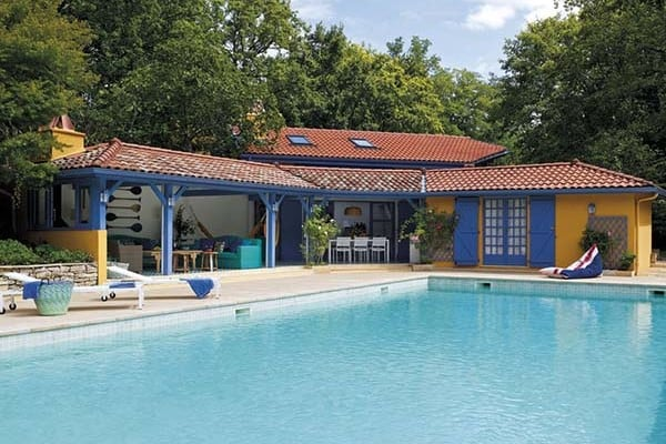 featured posts image for Gorgeous pool house in France bursting with refreshing color