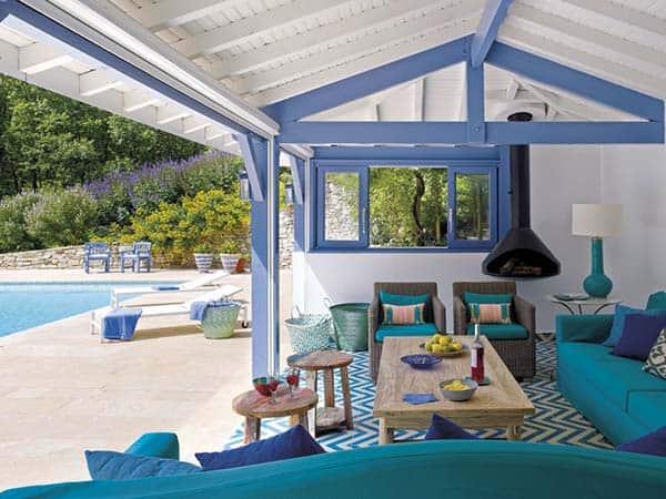 Mediterranean-Style-Pool-House-Melian-Randolph-02-1 Kindesign