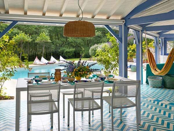 Mediterranean-Style-Pool-House-Melian-Randolph-05-1 Kindesign