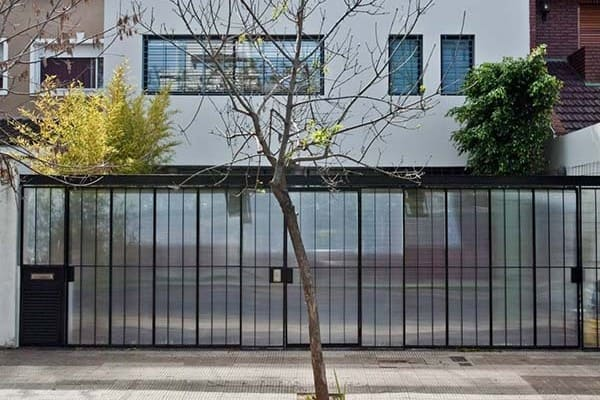featured posts image for Luminous modern concrete pad in Argentina