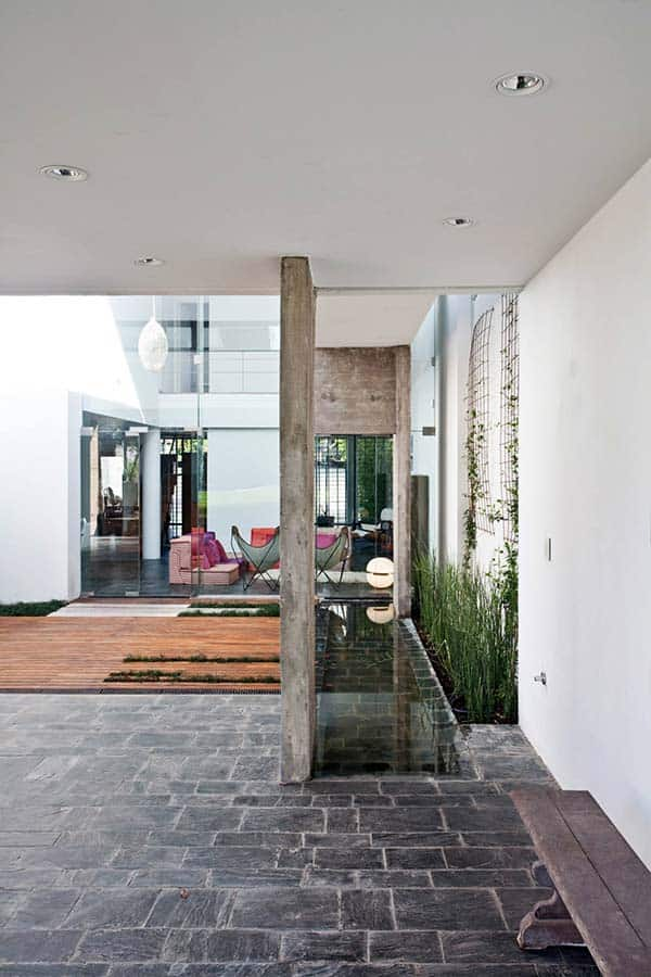 Modern-Concrete-Home-Bak Architects-17-1 Kindesign