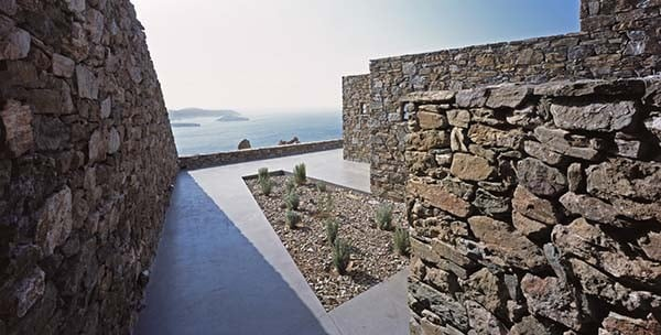 Summer-House-Syros-Greece-Block722-11-1 Kindesign