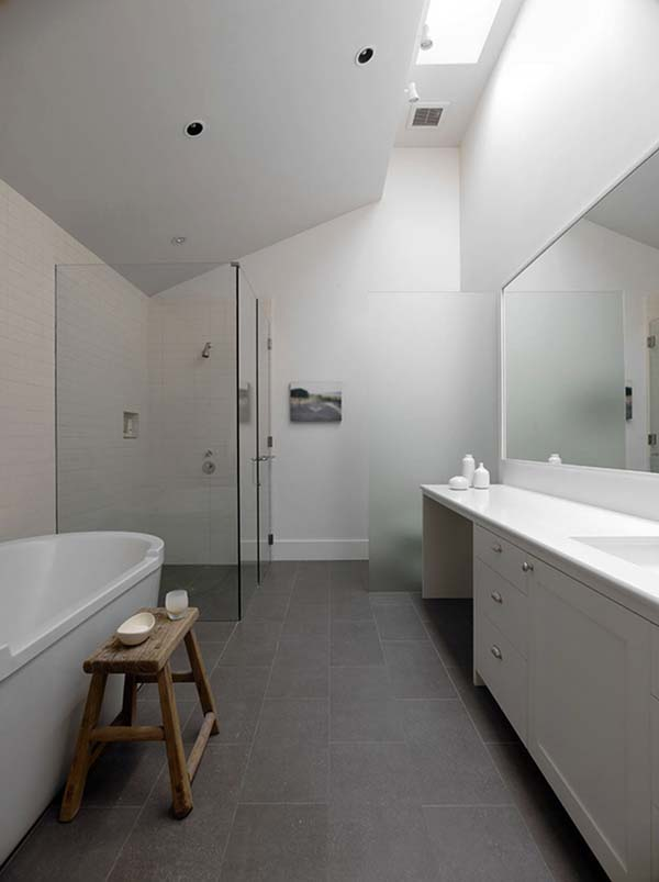 White-Bathroom-Design-Inspirations-29-1 Kindesign