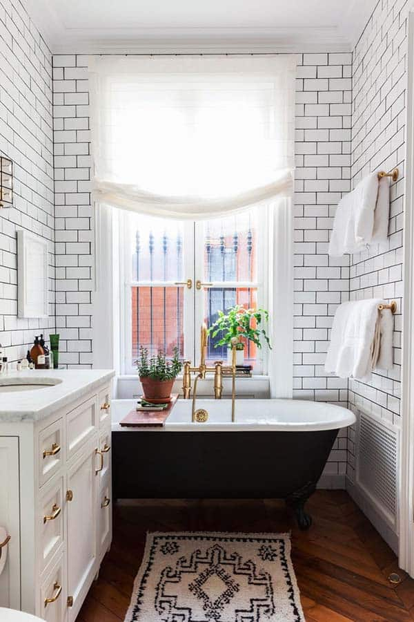 White-Bathroom-Design-Inspirations-30-1 Kindesign