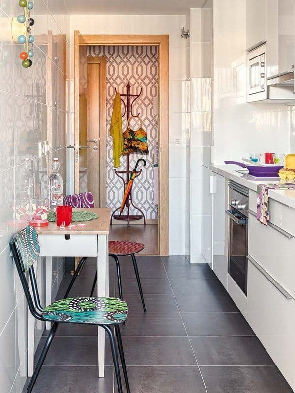 Colorful-Small-Apartment-Spain-11-1 Kindesign