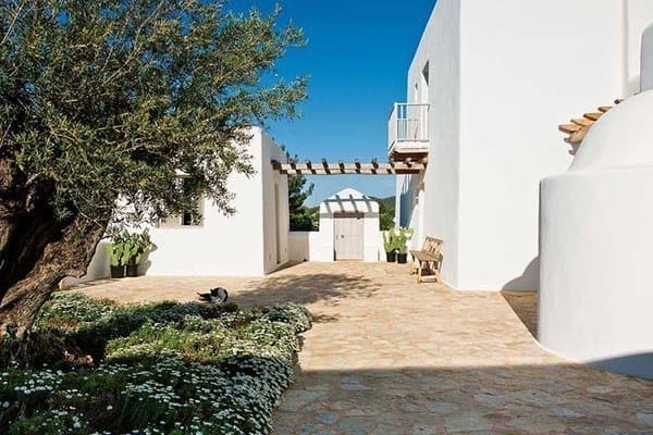 featured posts image for Fascinating Ibizan home full of freshness and personality