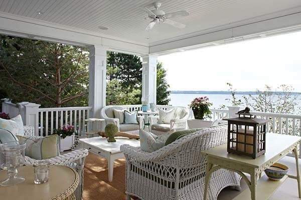 Michigan Lakeside Cottage-Tom Stringer-01-1 Kindesign