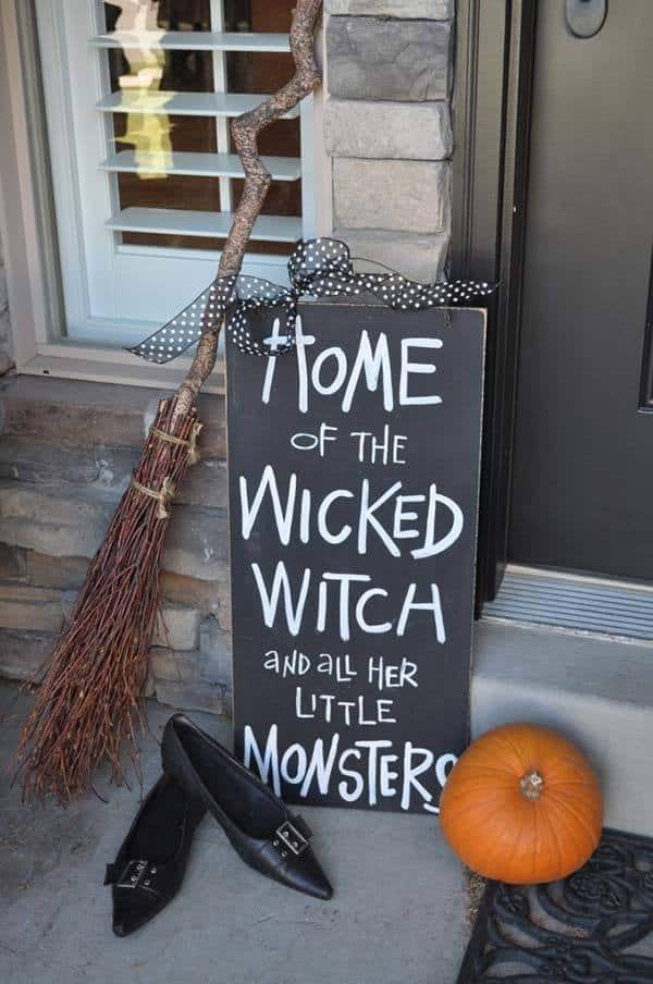 Outdoor Halloween Decorating Ideas-02-1 Kindesign