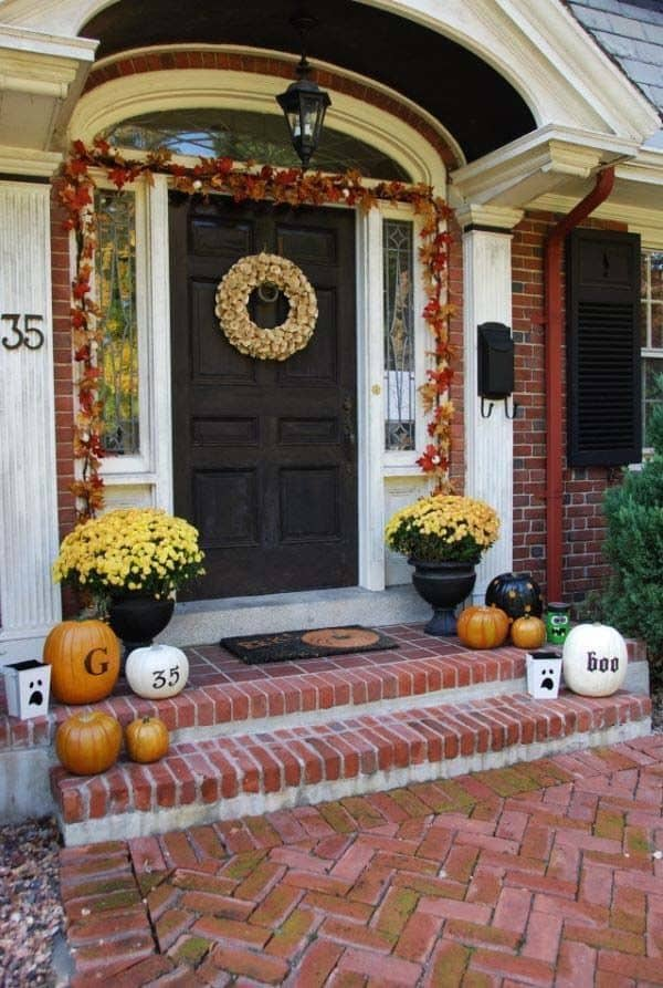 Outdoor Halloween Decorating Ideas-11-1 Kindesign