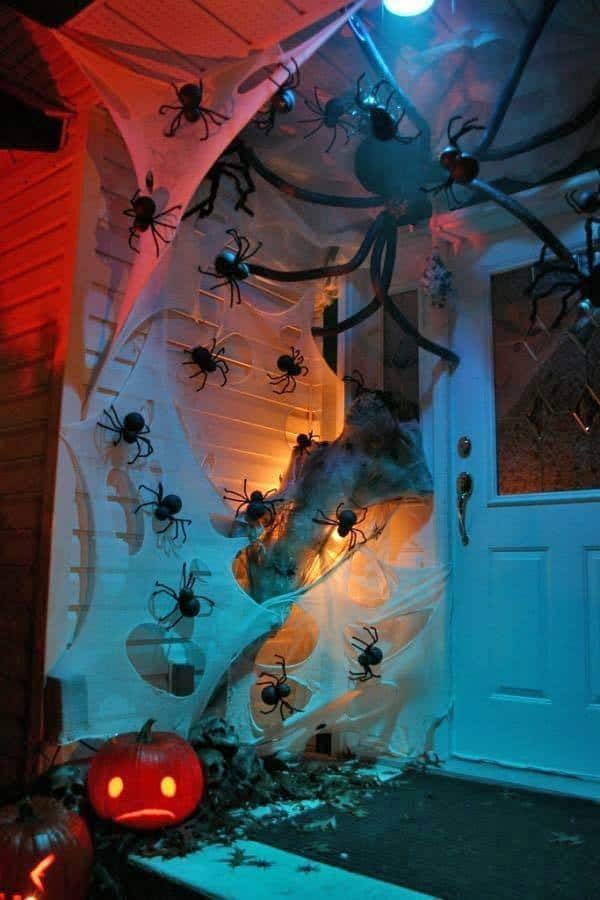 Outdoor Halloween Decorating Ideas-30-1 Kindesign