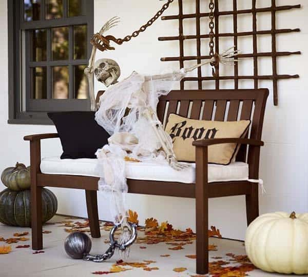 Outdoor Halloween Decorating Ideas-36-1 Kindesign