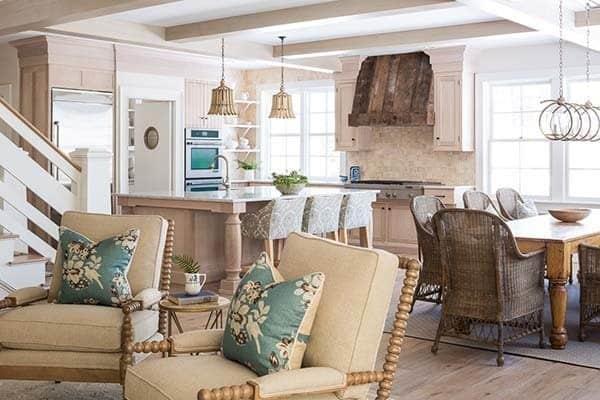Rustic-Cottage-Maine-Nicolas Home-04-1 Kindesign