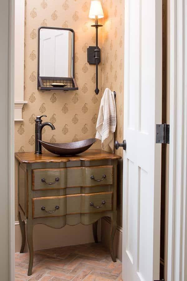 Rustic-Cottage-Maine-Nicolas Home-10-1 Kindesign