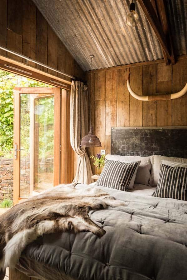 Self-Catering-Rustic-Log-Cabin-Cornwall-11-1 Kindesign