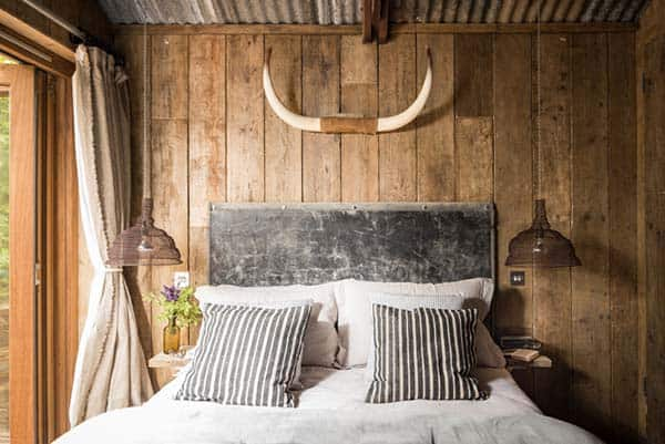 Self-Catering-Rustic-Log-Cabin-Cornwall-13-1 Kindesign