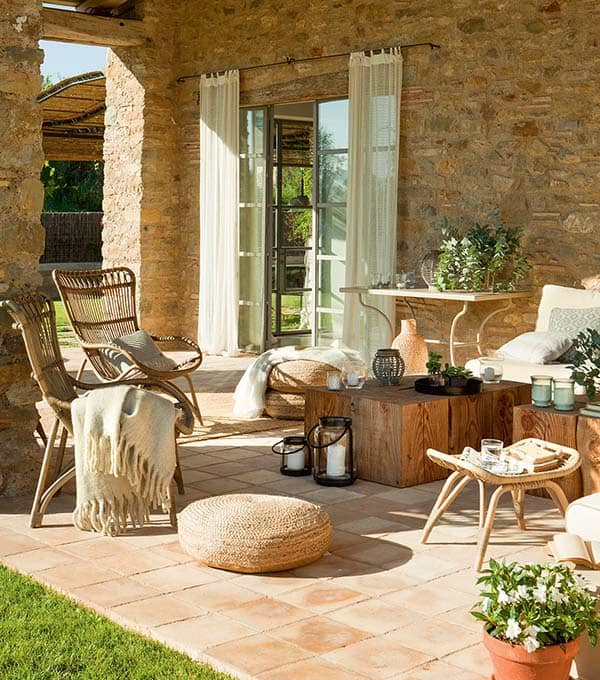 Stone-Clad-Spanish-Home-13-1 Kindesign
