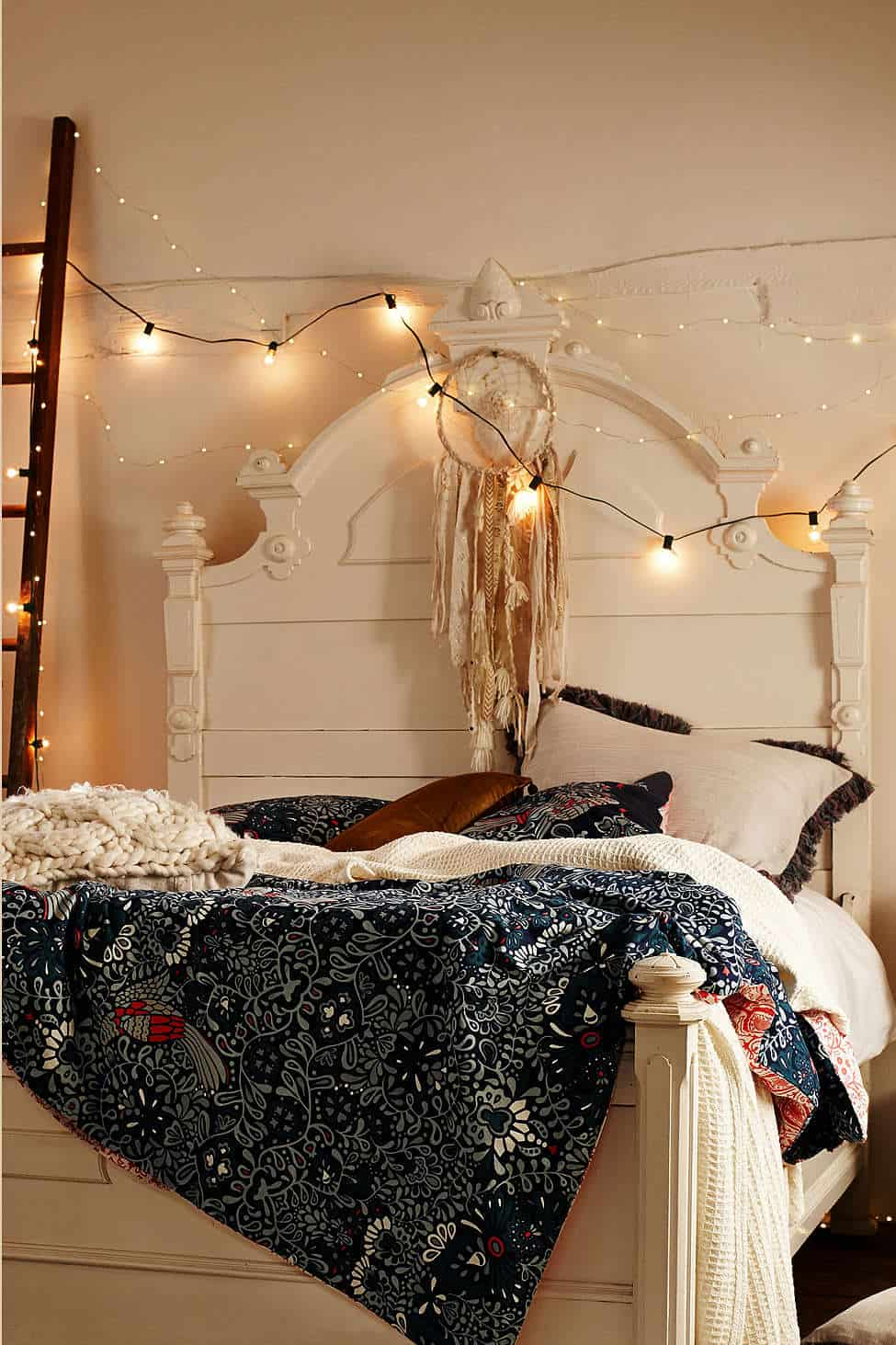 indoor bedroom string lights 45 inspiring ways to decorate your home with string lights 15638