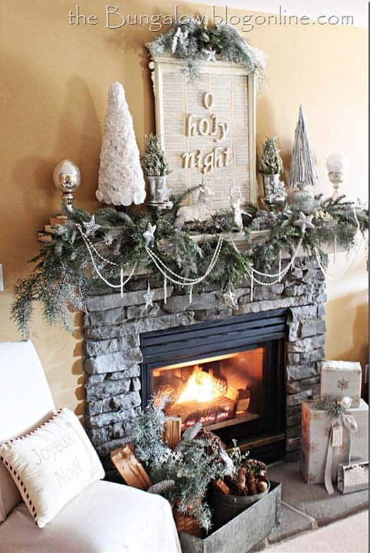 Christmas Mantel Decorating Ideas-09-1 Kindesign