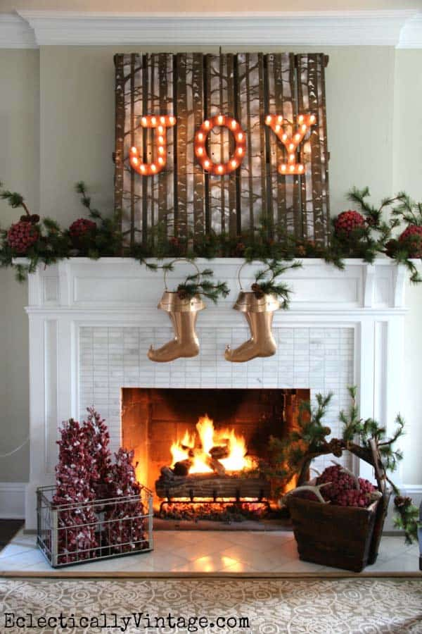 Christmas Mantel Decorating Ideas-17-1 Kindesign