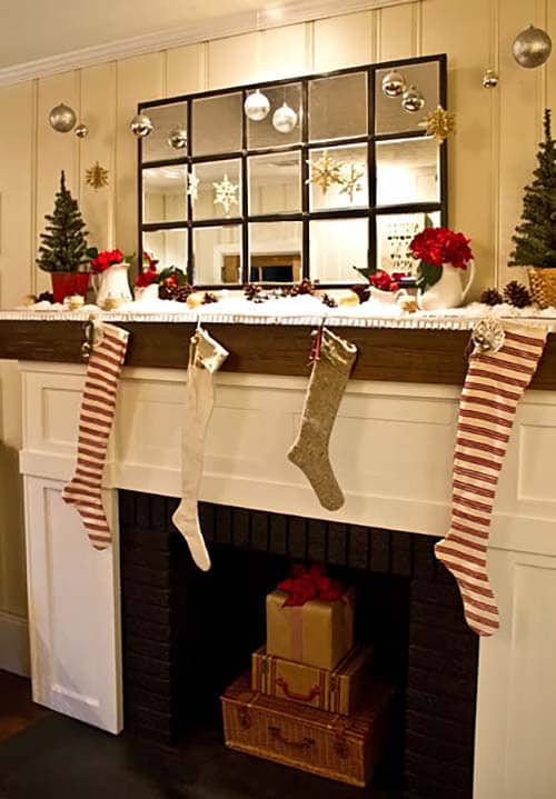 christmas mantel decorating ideas 20 1 kindesign - Images Of Fireplace Mantels Decorated For Christmas