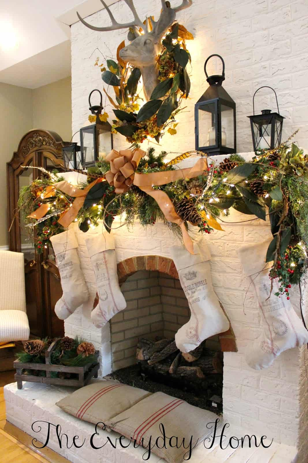 christmas mantel decorating ideas 23 1 kindesign - Christmas Mantel Decorating Ideas
