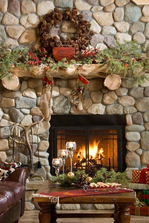Christmas Mantel Decorating Ideas-34-1 Kindesign