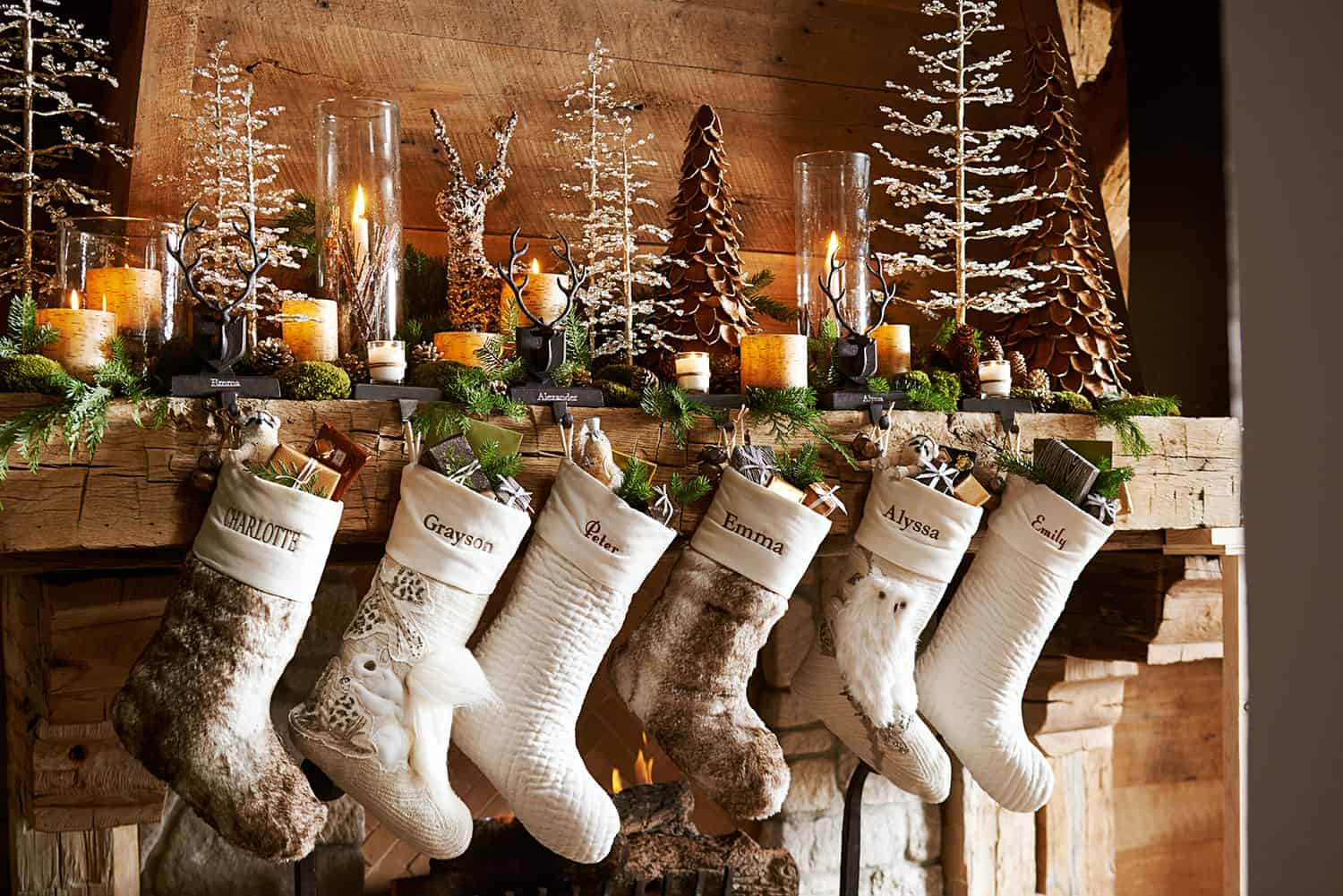 Christmas Mantel Decorating Ideas-39-1 Kindesign