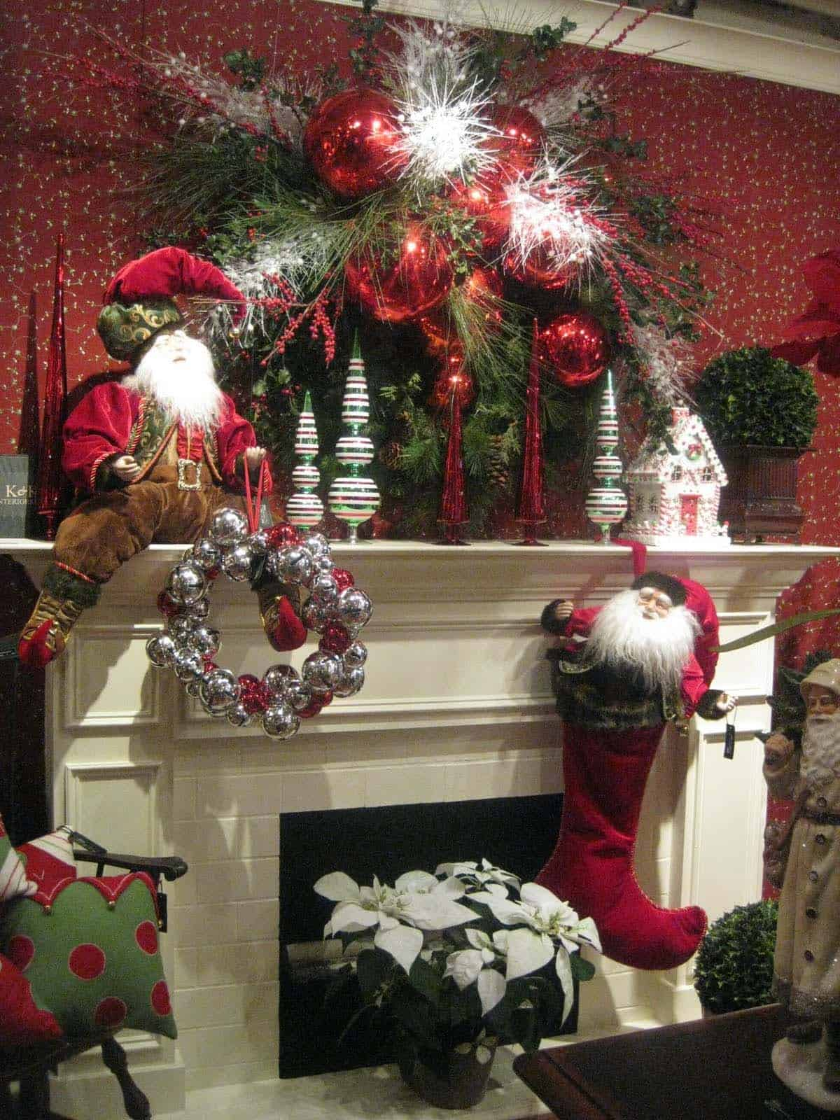 Christmas Mantel Decorating Ideas-40-1 Kindesign