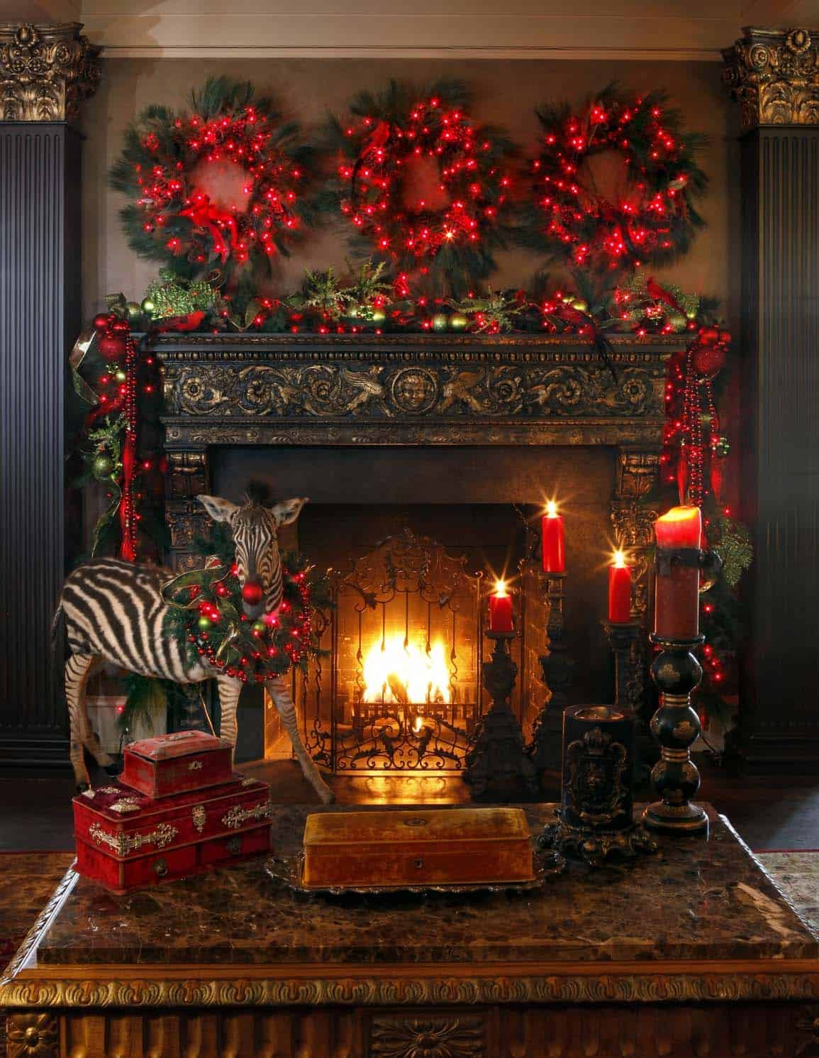 Christmas Mantel Decorating Ideas-41-1 Kindesign