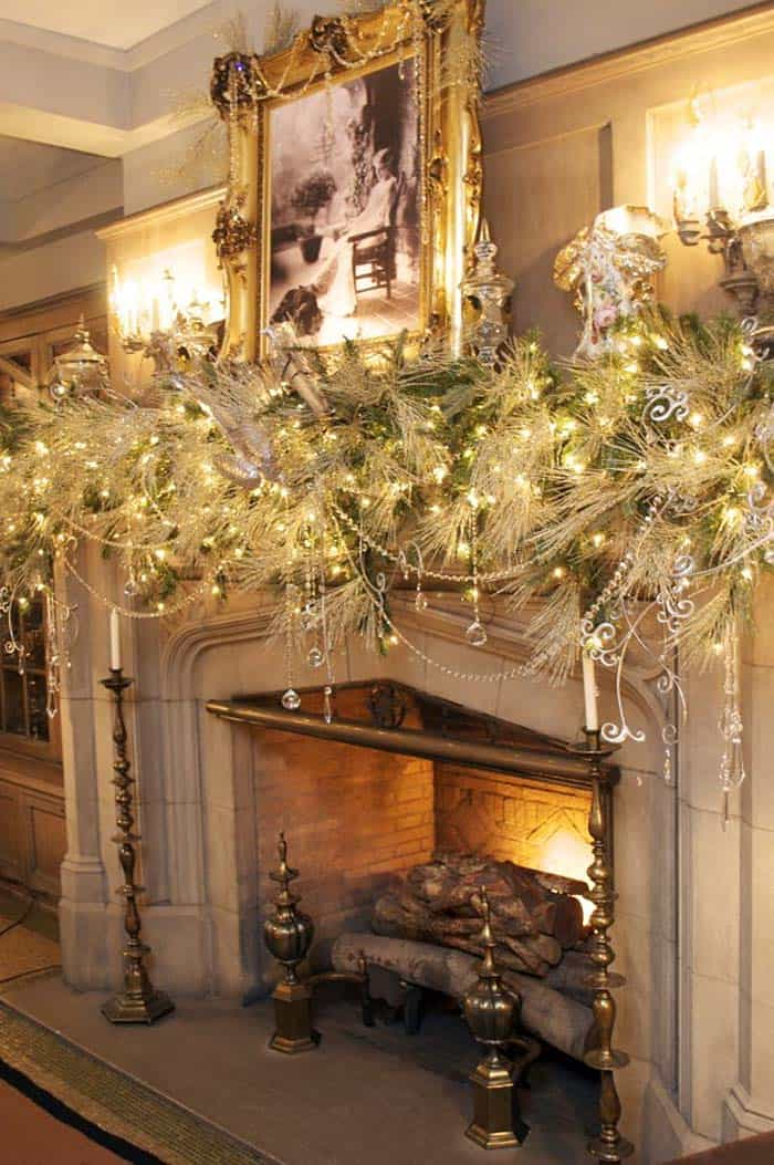 Christmas Mantel Decorating Ideas-46-1 Kindesign