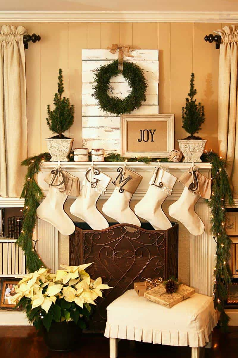 christmas mantel decorating ideas 50 1 kindesign - Christmas Mantel Decorating Ideas