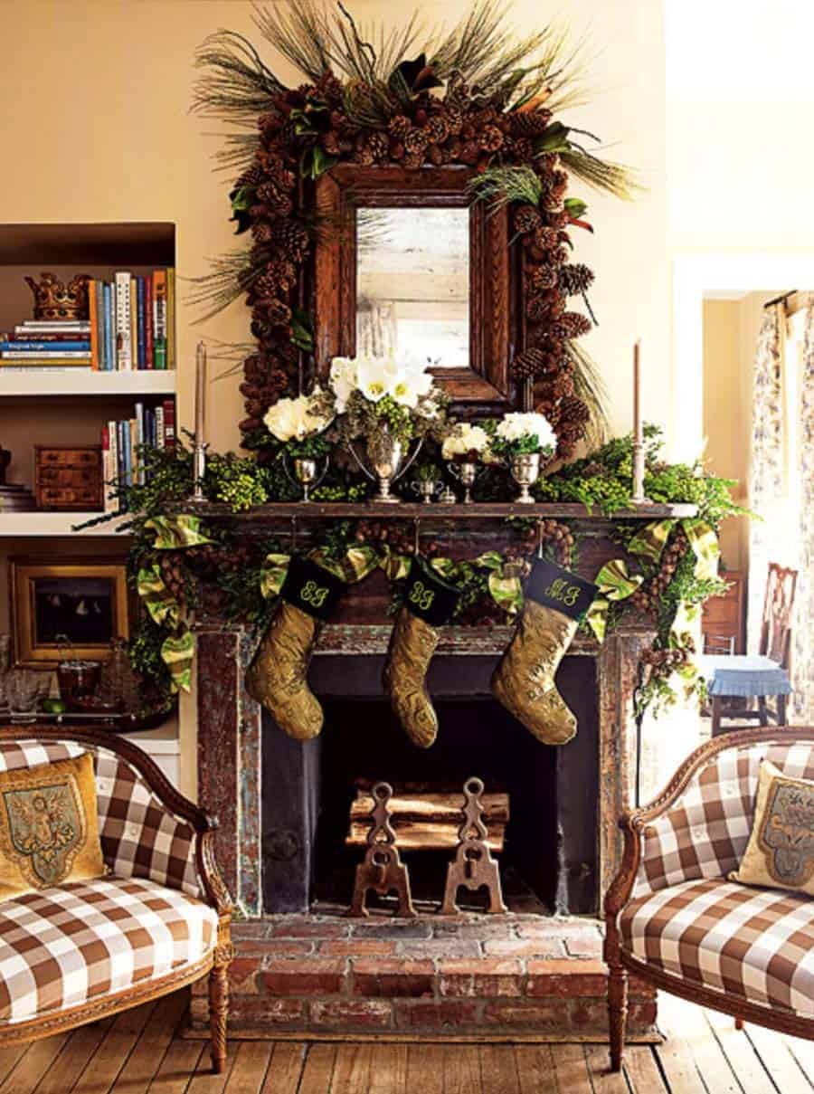 Christmas Mantel Decorating Ideas-52-1 Kindesign