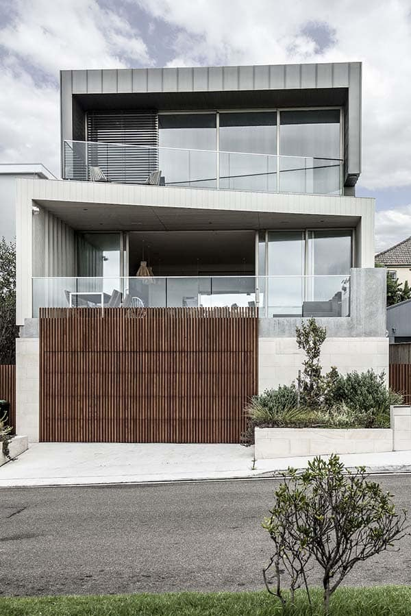 Contemporary-Beach-Home-Brett Mickan-00-1 Kindesign