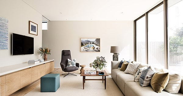 Contemporary-Beach-Home-Brett Mickan-02-1 Kindesign