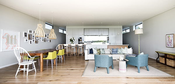 Contemporary-Beach-Home-Brett Mickan-04-1 Kindesign