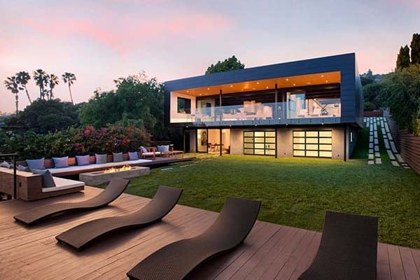 featured posts image for Renovated pad boasting an ultra-modern design in Santa Barbara