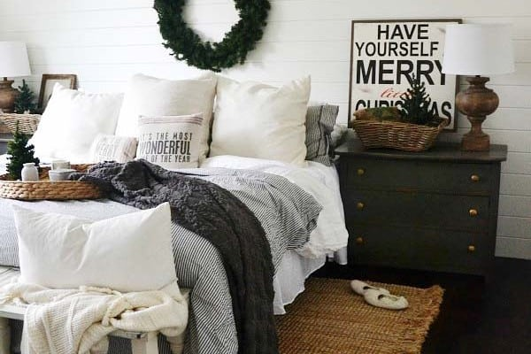 featured posts image for 35 Ways to create a Christmas wonderland in your bedroom