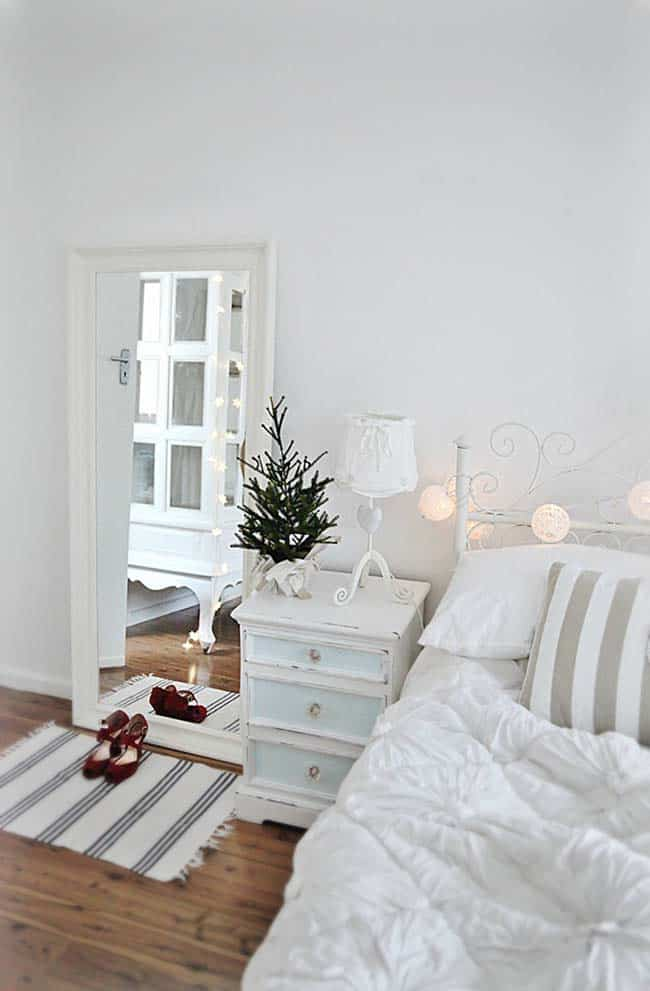 Christmas Bedroom Decorating Ideas-20-1 Kindesign