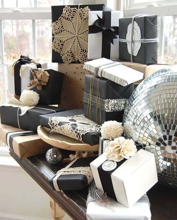 Christmas Decorated Spaces-047-1 Kindesign